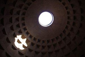 1280px-Rome_-_Pantheon_-_Oculus_0626