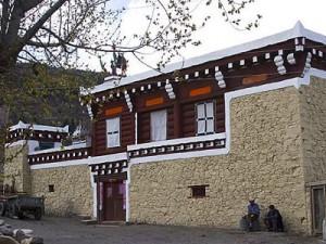 traditional-tibet-houses-03