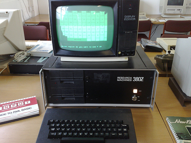 computer from the 1990s