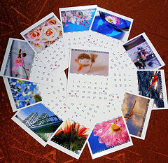 a circle of calendar pages